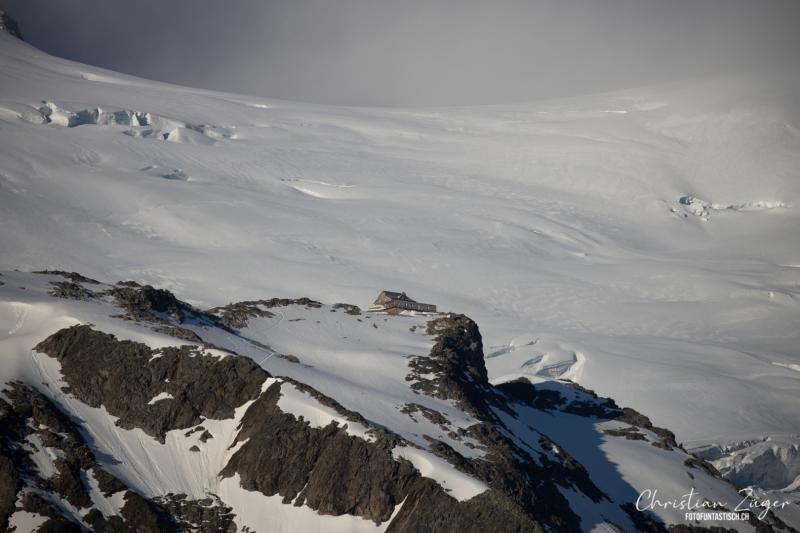 Tierberglihütte vor dem Gletscher - ©Christiane Dreher