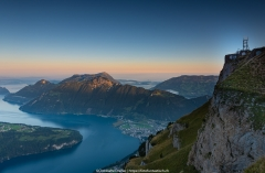 Das erste Licht berührt die Bergspitzen - ©Christiane Dreher